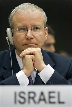 Israel's ambassador to the UN Aharon Leshno Yaar
